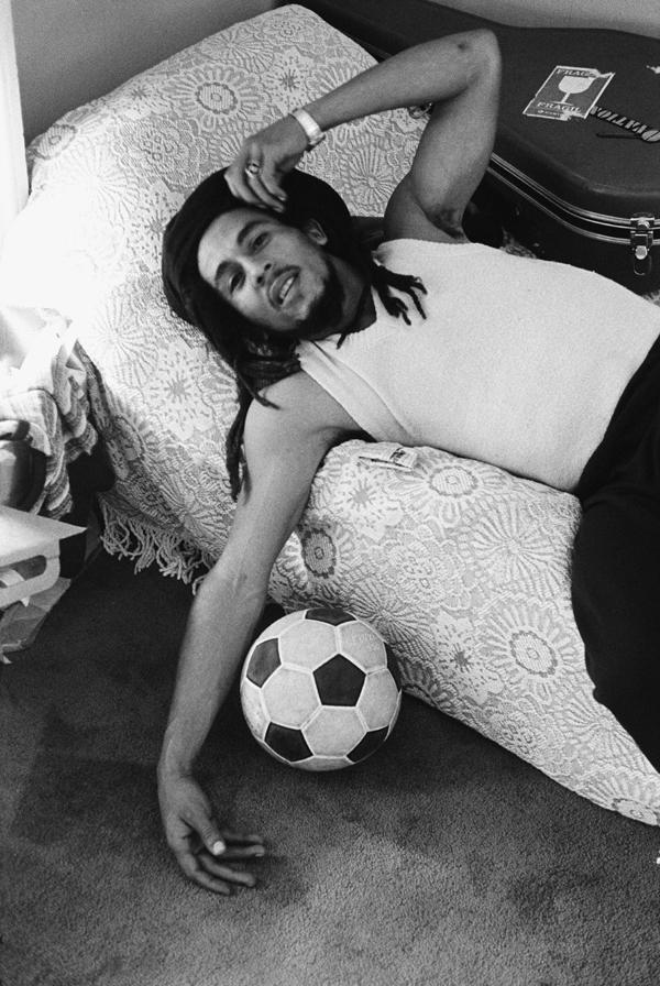 Bob Marley Bett Fußball