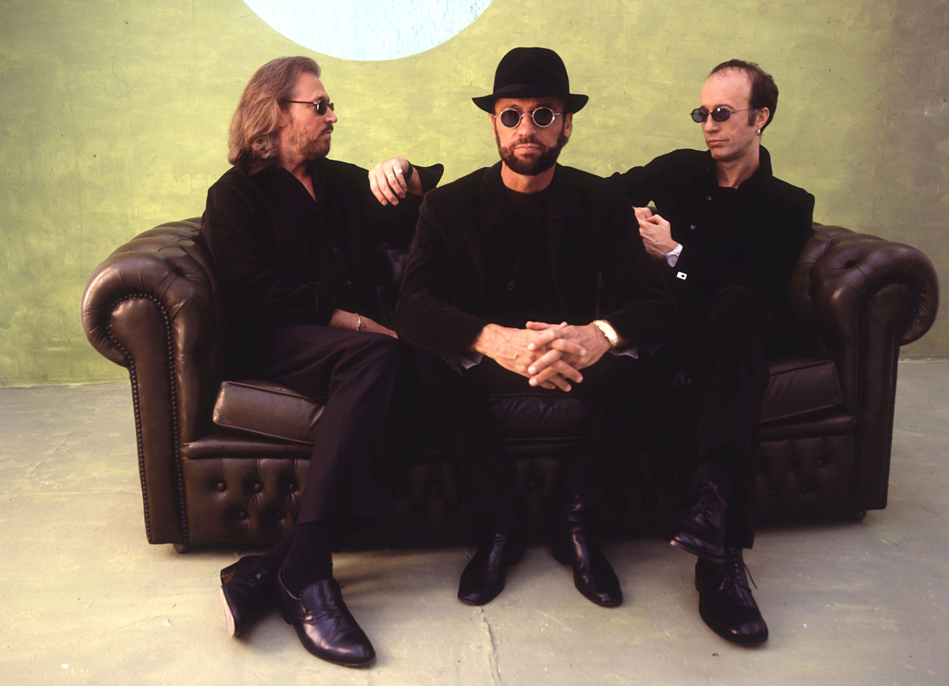 Bee-Gees-Love-Songs-Motiv-2-300-CMYK-jpg