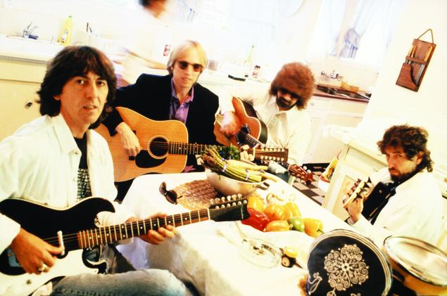 S_TravelingWilburys-Photo-CarolineGreyshock-1990-03-01-06 (1)