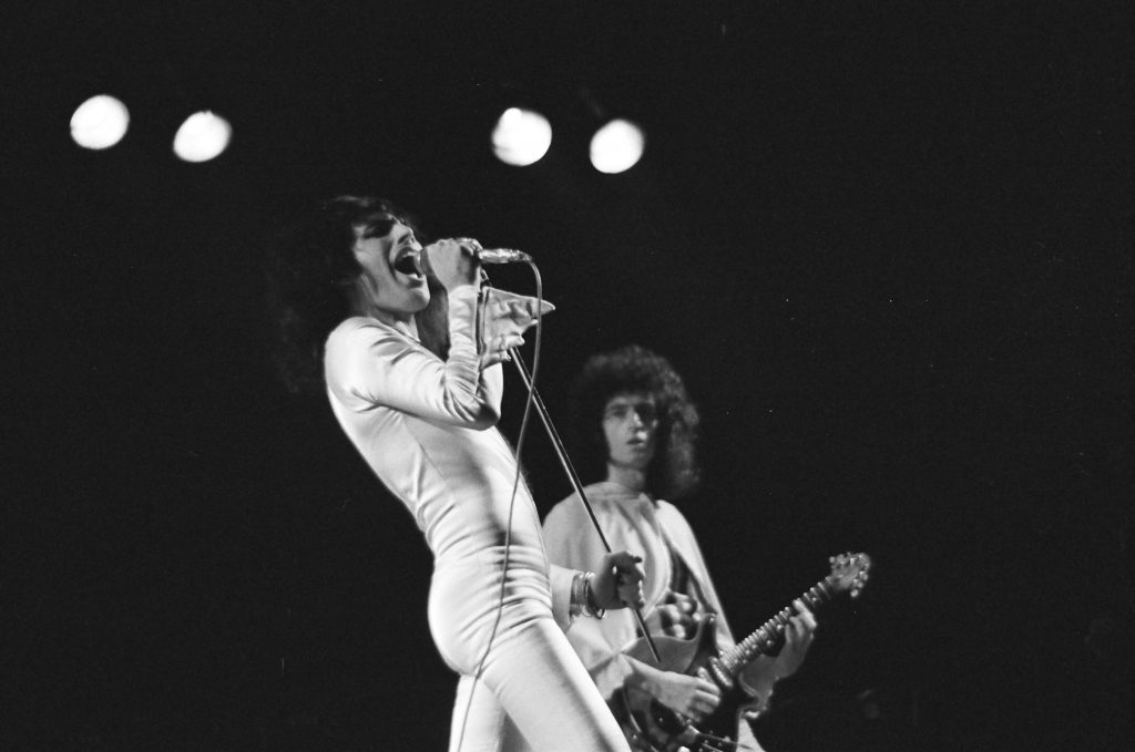 Queen---A-Night-At-The-Odeon-Lead-Pressefoto-2