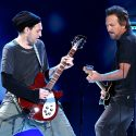 Ex-Red-Hot-Chili-Peppers-Gitarrist Josh Klinghoffer wird Tourgitarrist von Pearl Jam